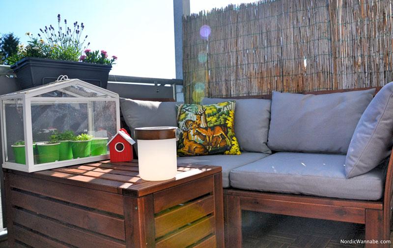 balkoneinrichtung skandinavien ikea boconcept schweden. Black Bedroom Furniture Sets. Home Design Ideas