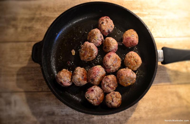 Schwedische Köttbullar mit Fächerkartoffeln, Rezept, Fleischbällchen