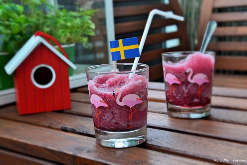 Blueberry Blaubeer Smoothie Frozen mit Sirup von IKEA DRYCK Blåbär und Eis www.NordicWannabe.com