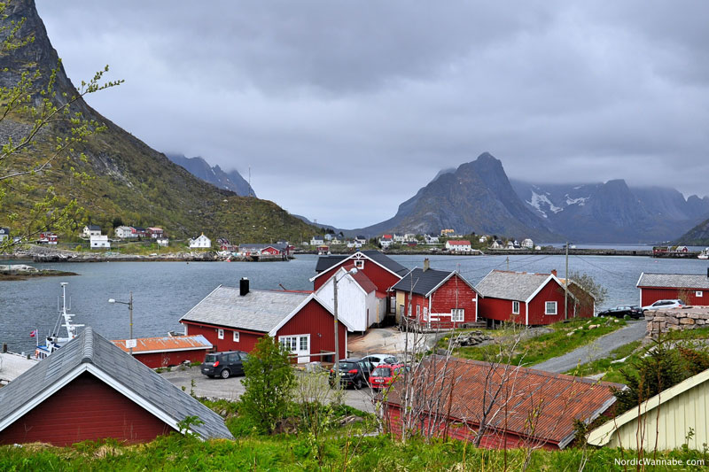 lofoten inselgruppe norwegen wei er strand rote holz h user stockfisch natur wandern. Black Bedroom Furniture Sets. Home Design Ideas