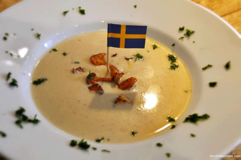 Cremige Pfifferlingsuppe, Skandinavien, Norwegen, Schweden, Finnland, schnell, einfach, Rezept, skandinavisch, www.NordicWannabe.com