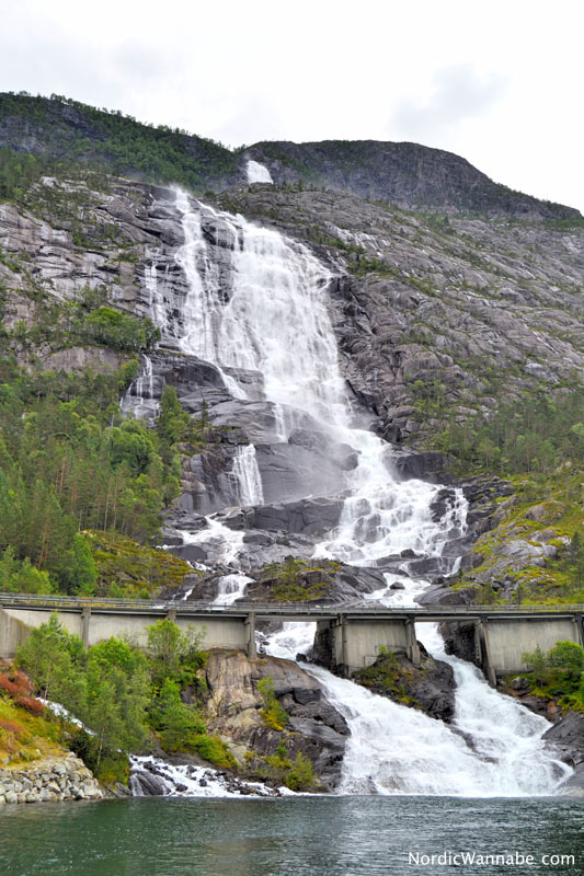Haugesund, Hauglandet, Olden, Olen, Bohrinsel, Norwegen, Skandinavien, Blog, Reise, Urlaub, Kreuzfahrt, Costa, Rovær, Langfossen, Akkrafjord,