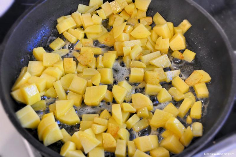 Lachs, Lachssteak, Spinat, Bratkartoffeln, Rezept, Skandinavisch, Skandinavien, Norwegen, norwegisch, selbst gekocht, schnell, lecker, gesund