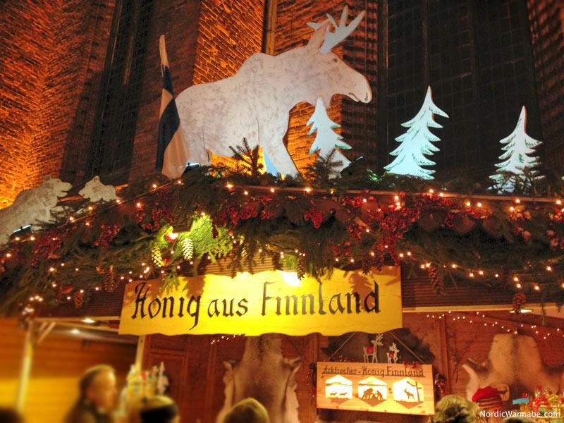 Finnisches Weihnachtsdorf, Hannover, Stuttgart, Leipzig, Flammlachs, Rentier, Elchbratwurst, Glögi, Glühwein, Weihnachtsmarkt, Wichtel, Lakritz , Elch
