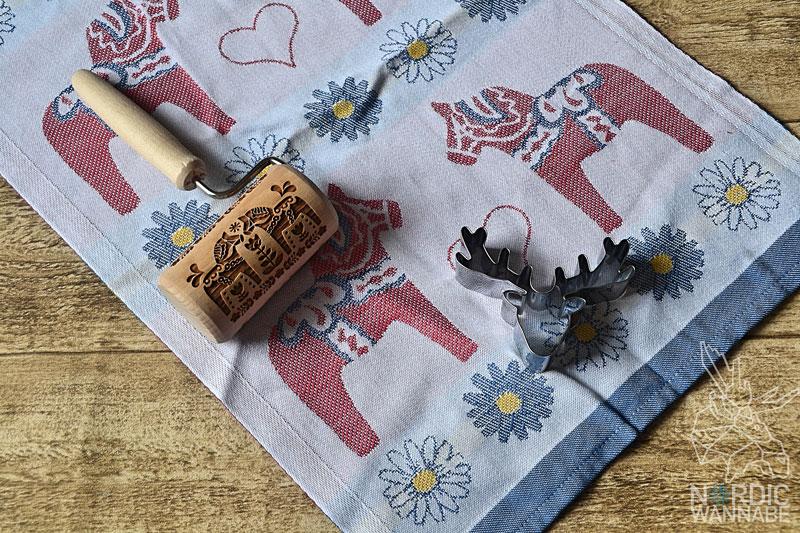 beim backen skandinavische muster mit nudelholz zaubern. Black Bedroom Furniture Sets. Home Design Ideas