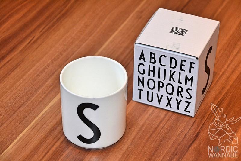 Design Letters, Designletters, Skandijavien, Dänemark, Becher mit Buchstabe, Geschenk-Ideen aus Skandinavien, Blog, Lothar John Tisch Kultur