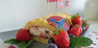 Biskuitrolle, Norwegisch, Norwegen, Rezept, Backen, Kochen, Erdbeeren, Blaubeeren, lecker, einfach, Sahne, Quark, Skandinavien, Hygge, Blog
