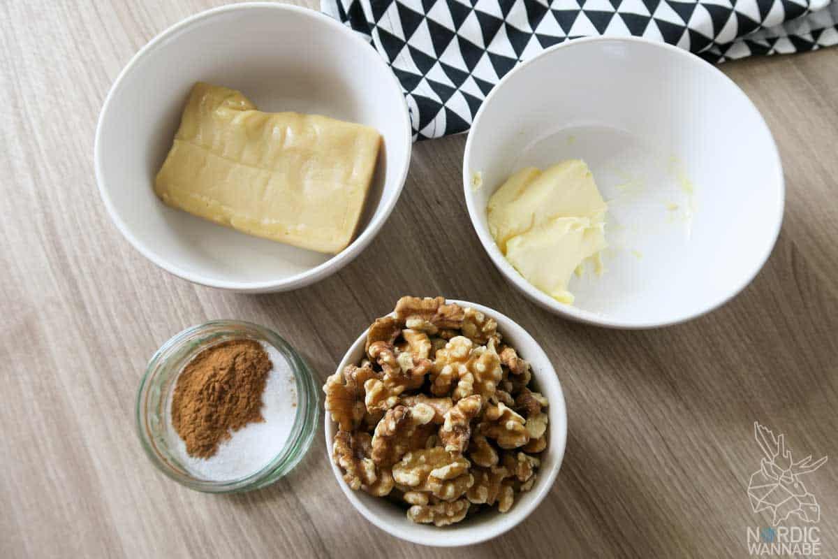 rezept f r schwedische schnecken mit walnuss snack zur fu ball wm. Black Bedroom Furniture Sets. Home Design Ideas