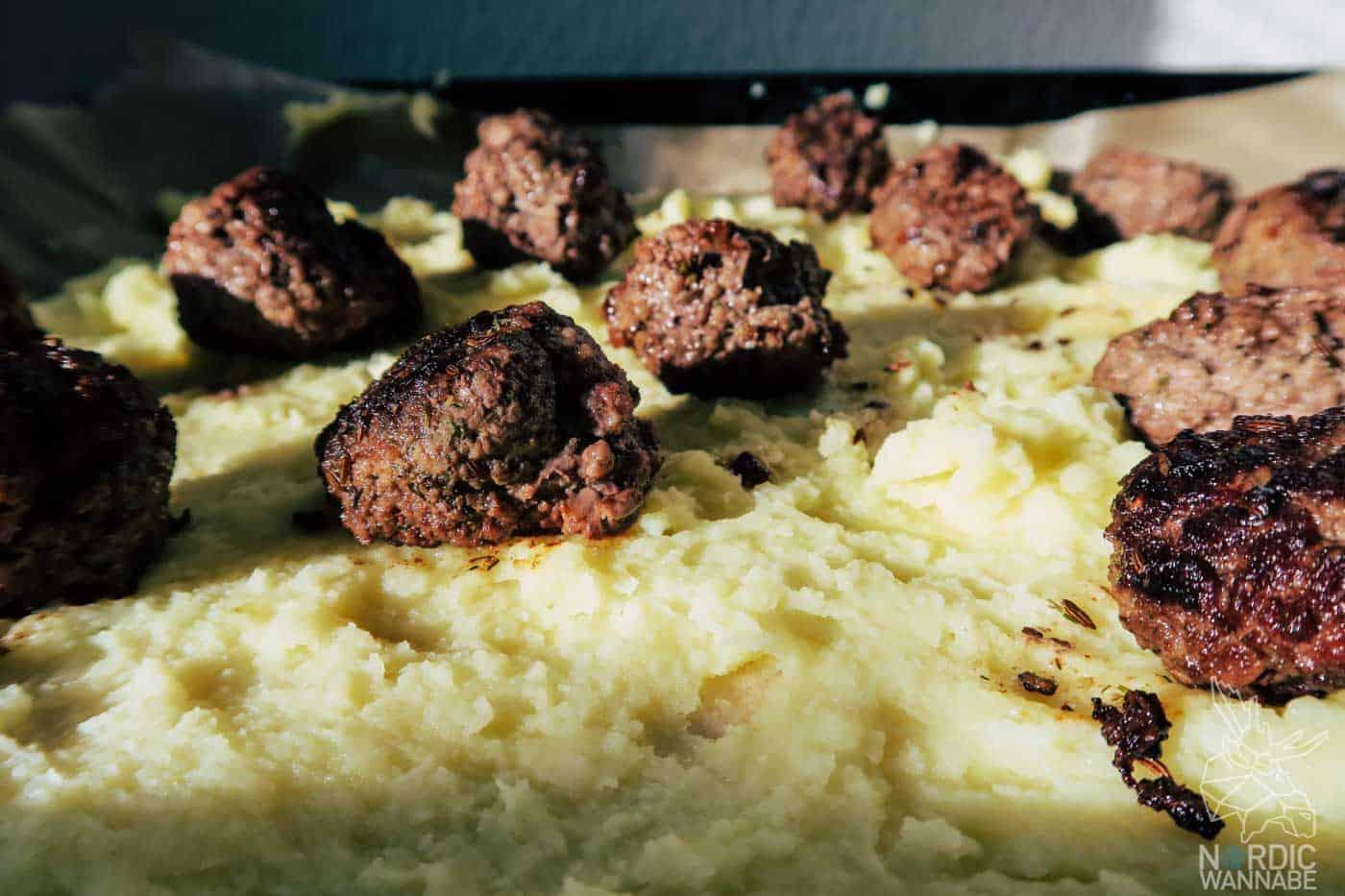 Köttbullar-Flammkuchen, Rezept, Schweden, Köttbullar, Fleischbällchen, Flammkuchen