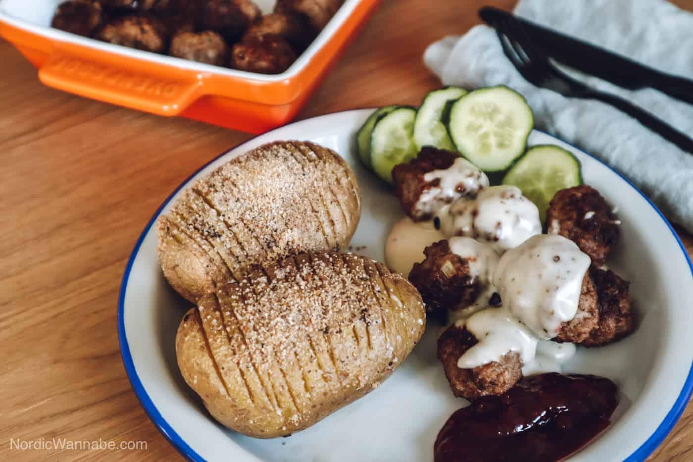 Rezept für Köttbullar, Schwedische Hackfleischbällchen, Schwedenblog, Schweden Rezepte, schwedische Rezepte, Mittsommer-Dekoration