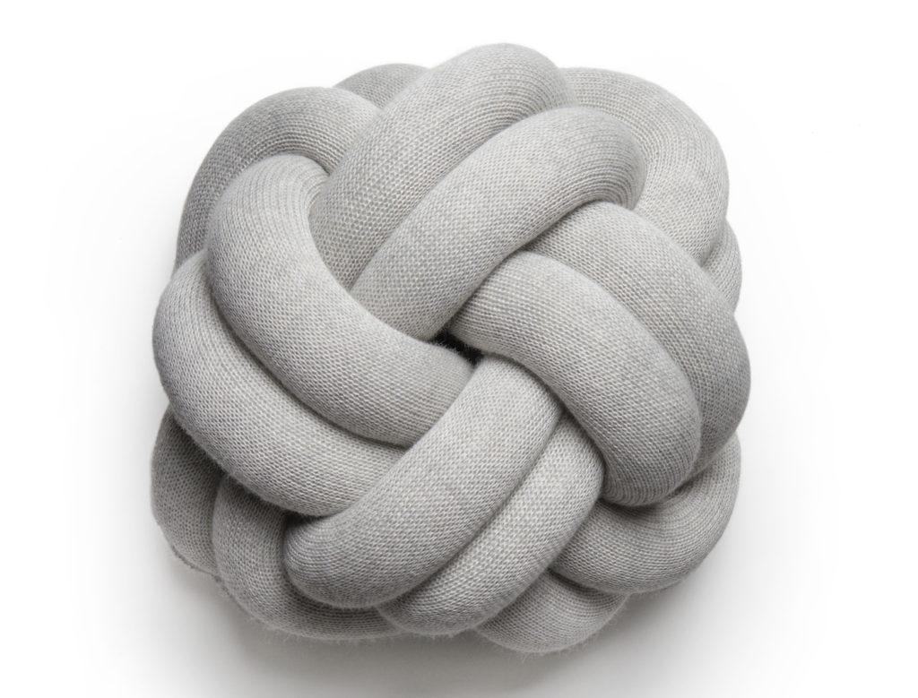 Skandinavisches Design, Knoten-Kissen, skandinavisch Kissen, Design House Stockholm, Knot Cushion